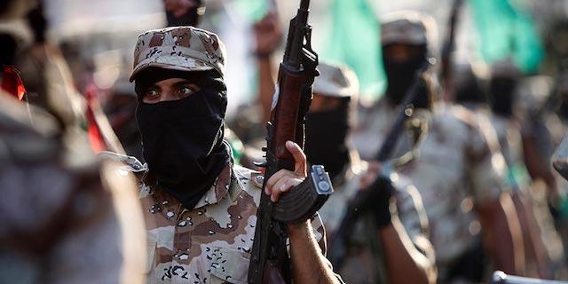 Gaza_HAMAS_fighters_AP-Photo-Adel-Hana.j